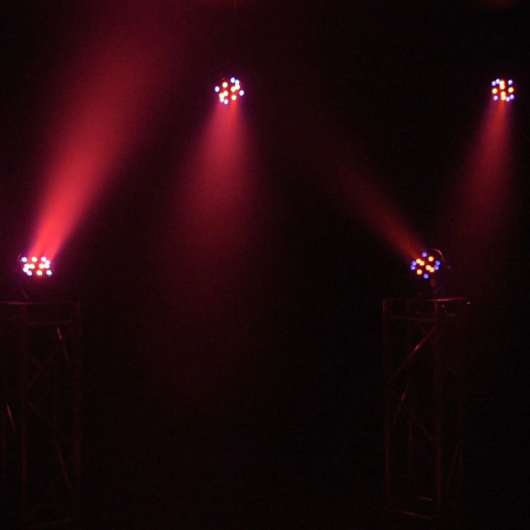 LIGHT4ME BLACK PAR 30x3W RGBA-UV LED mocny